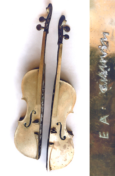 Multiple signed bronze de  : Violin