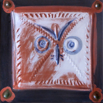 Numbered Madoura ceramic de Picasso Pablo : Wood-owl's head