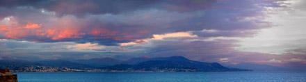 Vue vers Nice depuis la terrasse de l'atelier de N. de Staël, à Antibes
